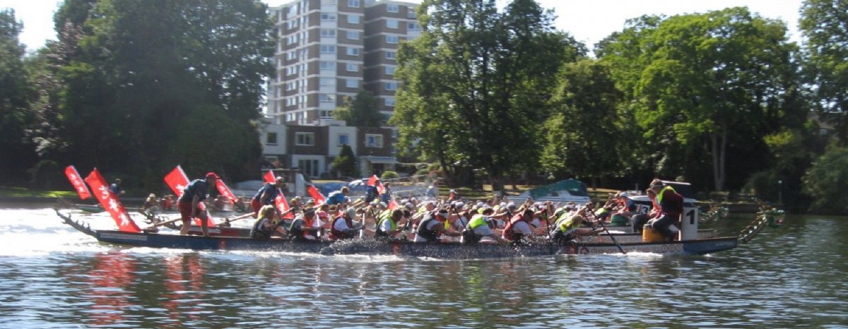 KAG Paddlers crossing the line low res