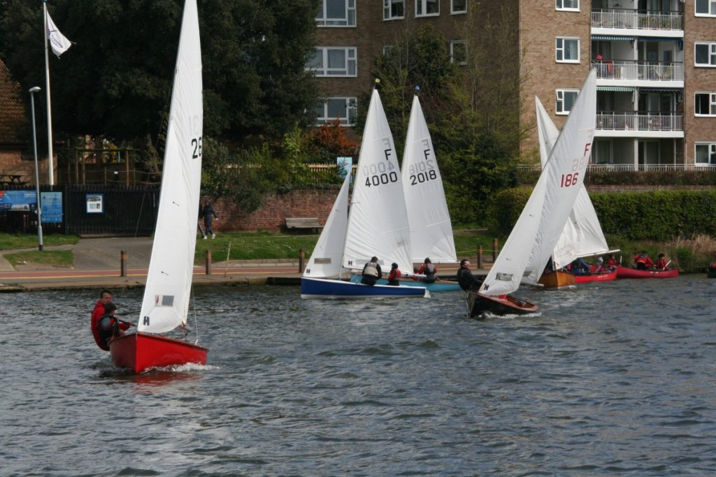Blustery start to the Junior Cup